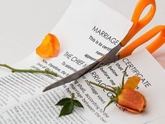 certificat de mariage déchiré