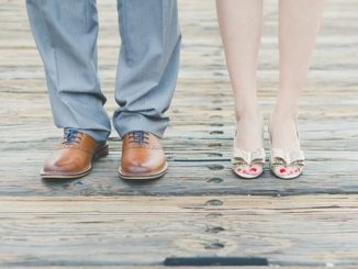chaussures homme et femme qui font pas mal aux pieds
