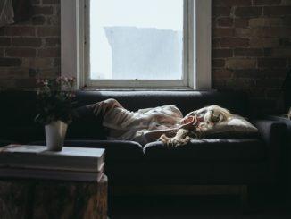 femme malade qui dort