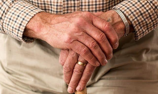 une personne âgée