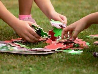 jeu travaillant mémoire enfant