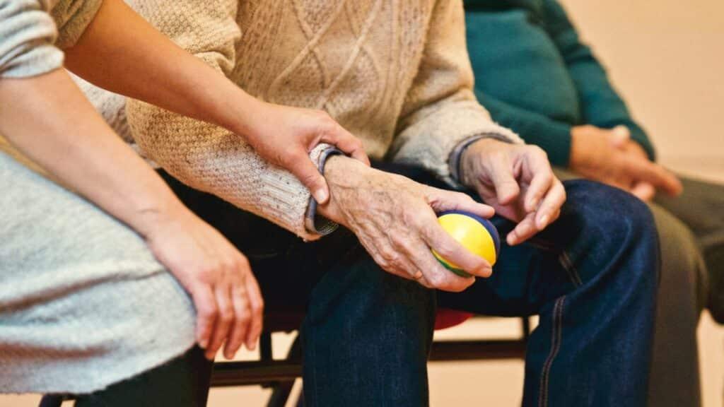 Assistance, aidant personne âgée